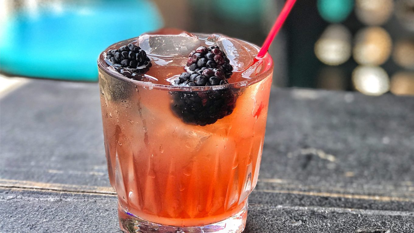 blackberry gin with ice